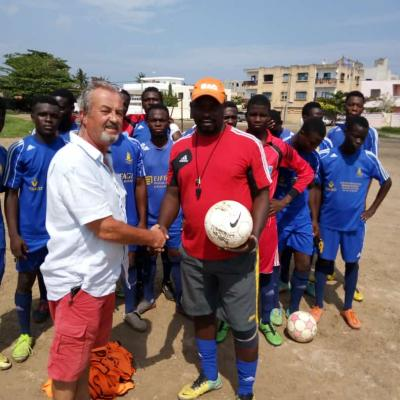 Nos anciens maillots destination le Bénin